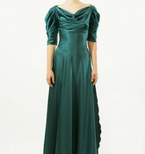 Vestido largo fruncido de color verde agua