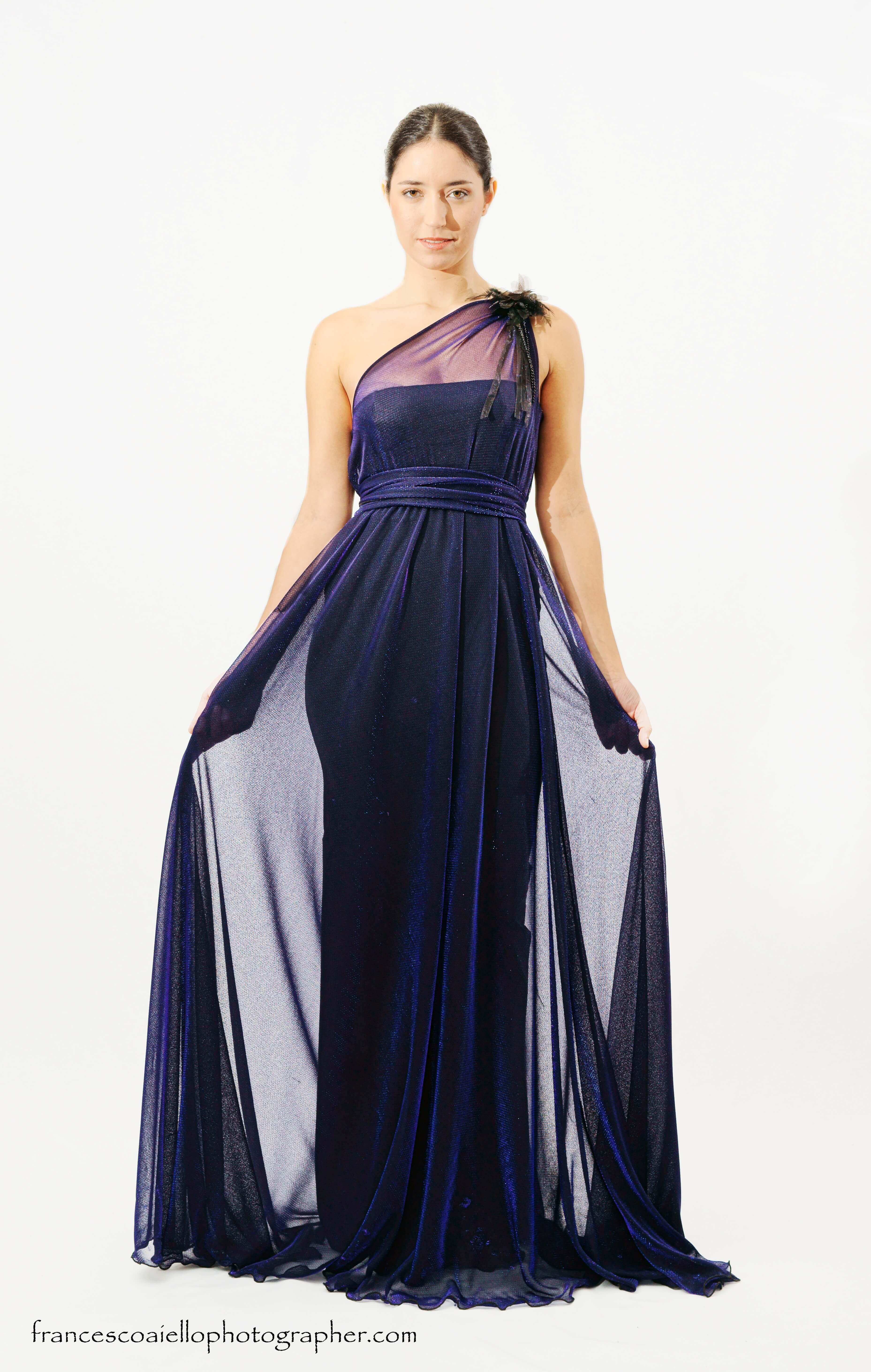Vestido Largo De Gasa Azul Noche Brillante Con Un Solo Tirante